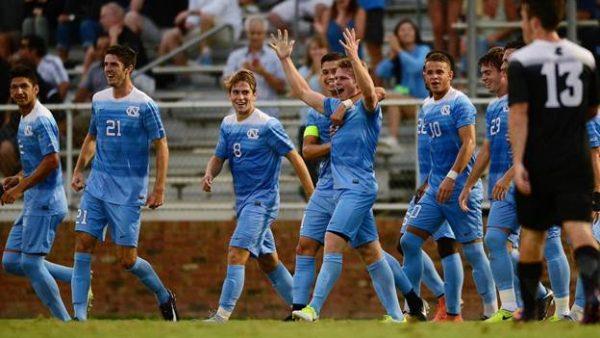 Jugadores celebrando la victoria